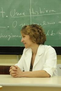 Arlene Clemesha durante entrevista no prédio de letras da Universidade de São Paulo. Foto: Thiago Montero