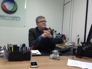 Celso Teixeira, na sede da Record na Barra Funda, São Paulo Foto: Marina Cassiolato