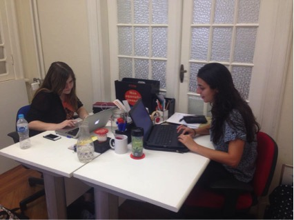 As jovens empreendedoras Gabriela e Isabela, donas Lif Consultoria Foto: Ana Carolina Alves