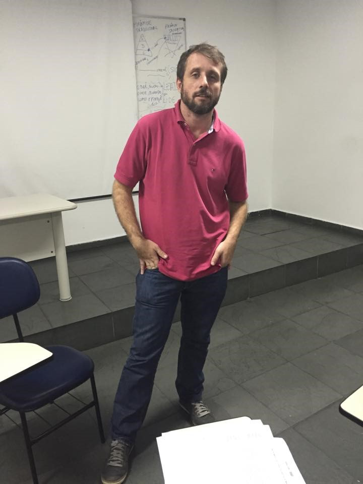 Vitor Guedes na FAPSP, onde dá aulas para o curso de Jornalismo Foto: Thomas Aoki