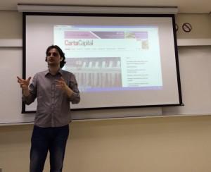 José Antônio Lima conversa com alunos do 1º semestre do curso. Foto: Nathalia Matos